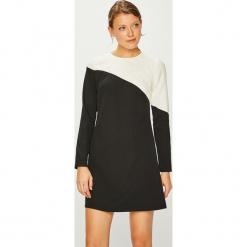 Trendyol - Sukienka. Sukienki małe czarne marki Trendyol, na co dzień, z elastanu, casualowe, dopasowane. Za 119,90 zł.