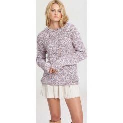 Różowy Sweter I Wanna Be Yours. Zielone swetry klasyczne damskie marki other, l, prążkowane. Za 59,99 zł.