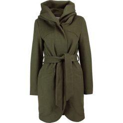 Mint&berry Krótki płaszcz forest night. Zielone płaszcze damskie wełniane marki mint&berry. W wyprzedaży za 439,20 zł.
