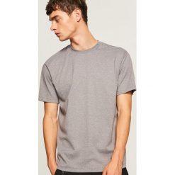 T-shirt z melanżowej dzianiny - Jasny szar. Szare t-shirty męskie Reserved, l, z dzianiny. Za 49,99 zł.