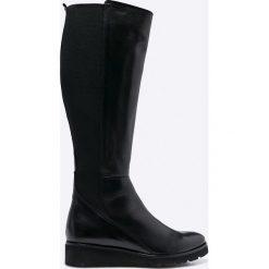 Wojas - Kozaki. Czarne buty zimowe damskie marki Wojas, z materiału, z okrągłym noskiem. W wyprzedaży za 279,90 zł.