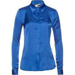 Bluzka satynowa bonprix lazurowy. Niebieskie bluzki z odkrytymi ramionami marki bonprix, z nadrukiem. Za 74,99 zł.