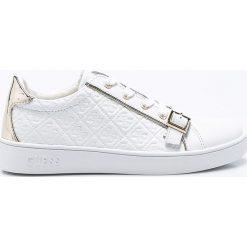 Guess Jeans - Buty. Białe buty sportowe damskie Guess Jeans, z aplikacjami, z jeansu. W wyprzedaży za 319,90 zł.