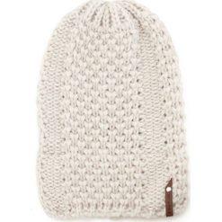 Czapka damska na zimę Plaster Miodu beżowa. Brązowe czapki zimowe damskie marki Art of Polo, na zimę. Za 47,34 zł.