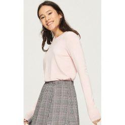 Sweter basic - Różowy. Czerwone swetry klasyczne damskie Sinsay, l. Za 39,99 zł.