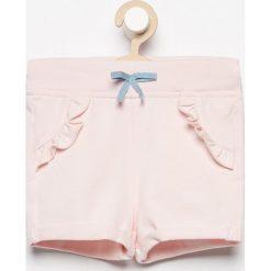 Szorty damskie: Krótkie spodenki dresowe – Różowy