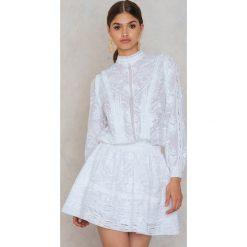 Sukienki hiszpanki: RAVN Sukienka Elly - White