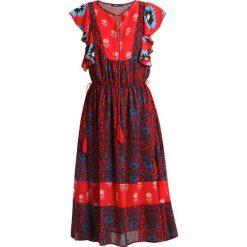 Desigual SIGRID Sukienka letnia pink. Czerwone sukienki letnie marki Desigual, z materiału. W wyprzedaży za 389,40 zł.