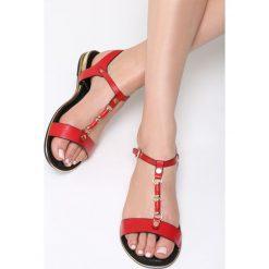 Czerwone Sandały Big Decision. Czerwone sandały damskie Born2be, z materiału, na obcasie. Za 89,99 zł.