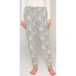Calvin Klein Underwear - Spodnie piżamowe. Szare piżamy damskie Calvin Klein Underwear, l, z materiału. W wyprzedaży za 119,90 zł.