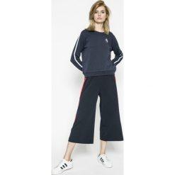 Wrangler - Bluza. Szare bluzy damskie Wrangler, s, z aplikacjami, z bawełny, bez kaptura. W wyprzedaży za 139,90 zł.