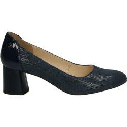Czółenka - F961-18 PU BL. Czarne buty ślubne damskie Venezia, ze skóry. Za 299,00 zł.