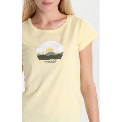 Craghoppers VIOLET Tshirt z nadrukiem buttercup. Żółte t-shirty damskie Craghoppers, z nadrukiem, z bawełny. Za 129,00 zł.