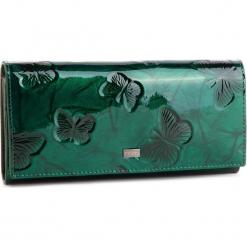 Duży Portfel Damski NOBO - NPUR-LG0200-C008 Zielony. Zielone portfele damskie Nobo, z lakierowanej skóry. W wyprzedaży za 149,00 zł.