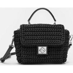 Czarna torebka damska. Czarne torebki klasyczne damskie Kazar, w paski, z tkaniny. Za 549,00 zł.