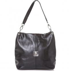 Skórzana torebka w kolorze czarnym - 26 x 36 x 15 cm. Czarne torebki klasyczne damskie I MEDICI FIRENZE, w paski, z materiału. W wyprzedaży za 304,95 zł.