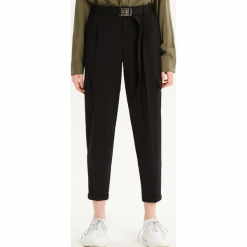 Spodnie chino - Czarny. Czarne chinosy damskie Sinsay. Za 79,99 zł.