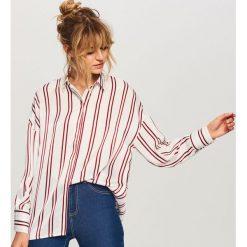 Koszula w paski - Wielobarwn. Białe koszule damskie marki Reserved, l, z dzianiny. W wyprzedaży za 39,99 zł.