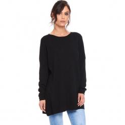 """Sweter """"Odile"""" w kolorze czarnym. Czarne swetry klasyczne damskie marki Cosy Winter, s, z okrągłym kołnierzem. W wyprzedaży za 181,95 zł."""