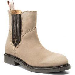 Sztyblety GANT - Ashley 15553121 Taupe G24. Brązowe buty zimowe damskie GANT, z materiału, na obcasie. W wyprzedaży za 409,00 zł.