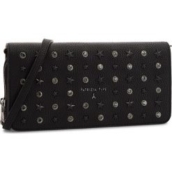 Torebka PATRIZIA PEPE - 2V8217/A4E9-K341 New Star Black. Czarne torebki klasyczne damskie marki Patrizia Pepe, ze skóry. W wyprzedaży za 519,00 zł.