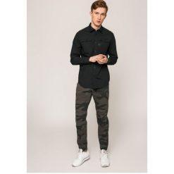 G-Star Raw - Koszula Landoh. Szare koszule męskie na spinki marki G-Star RAW, l, z bawełny, z klasycznym kołnierzykiem, z długim rękawem. W wyprzedaży za 269,90 zł.