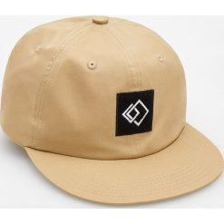 Czapka z daszkiem - Brązowy. Brązowe czapki z daszkiem męskie Reserved. W wyprzedaży za 14,99 zł.
