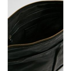 Legend LAVIS Torba na ramię black. Czarne torebki klasyczne damskie Legend. Za 549,00 zł.