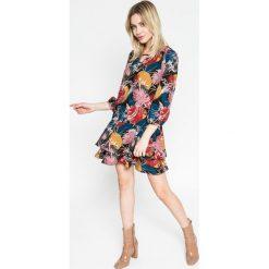 Answear - Sukienka. Szare sukienki mini ANSWEAR, na co dzień, m, z elastanu, casualowe, z okrągłym kołnierzem. W wyprzedaży za 99,90 zł.