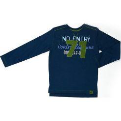 Koszulka w kolorze granatowym. Niebieskie t-shirty chłopięce z długim rękawem Street Monkey, z aplikacjami, z bawełny. W wyprzedaży za 39,95 zł.