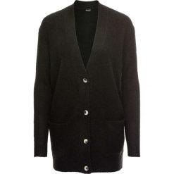 Sweter rozpinany oversize bonprix czarny. Czarne swetry rozpinane damskie bonprix. Za 74,99 zł.