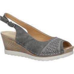 Szare sandały peep toe na koturnie z odkrytymi palcami i piętą ze skórzaną wkładką Casu W18X4/DG. Szare sandały damskie marki Casu, na koturnie. Za 44,99 zł.