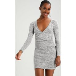 Sukienki dzianinowe: Miss Selfridge Petite BRUSHED WRAP BODYCON Sukienka dzianinowa grey