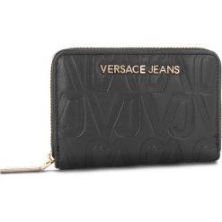 Duży Portfel Damski VERSACE JEANS - E3VSBPH2 70780 899. Czarne portfele damskie Versace Jeans, z jeansu. Za 349,00 zł.
