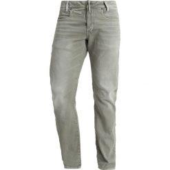 GStar DSTAQ 5PKT SLIM COJ Jeansy Slim Fit army green. Zielone jeansy męskie relaxed fit G-Star. W wyprzedaży za 419,30 zł.