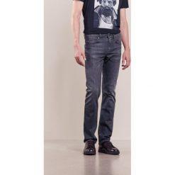 BOSS Green CDELAWARE Jeansy Slim fit dark grey. Szare jeansy męskie BOSS Green. W wyprzedaży za 305,40 zł.