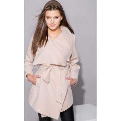 Płaszcze damskie pastelowe: Płaszcz krótki z paskiem wiązany łososiowy