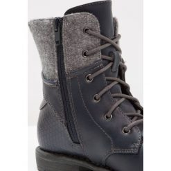 S.Oliver RED LABEL Botki sznurowane navy. Niebieskie buty zimowe damskie marki s.Oliver RED LABEL, z materiału. W wyprzedaży za 149,50 zł.