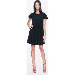 Sukienki: Czarna Kobieca Sukienka z Dekoltem na Plecach