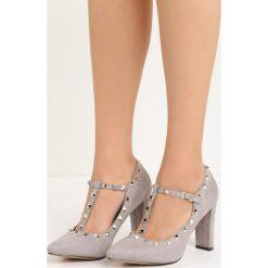 Szare Czółenka Cherished. Szare buty ślubne damskie Born2be, w paski, ze skóry, ze szpiczastym noskiem, na słupku. Za 79,99 zł.