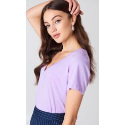 T-shirty damskie: NA-KD Basic T-shirt z dekoltem V – Purple