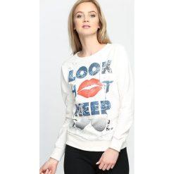 Bluzy damskie: Kremowa Bluza Look Hot
