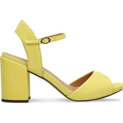 Sandały HANA. Szare sandały damskie na słupku marki Gino Rossi, w paski, z materiału, małe. Za 229,90 zł.