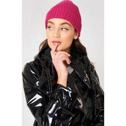 Czapki zimowe damskie: NA-KD Accessories Czapka z prążkowanej dzianiny - Pink