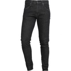 Edwin DROP CROTCH Jeansy Zwężane easy black wash. Czarne jeansy męskie regular Edwin, z bawełny. Za 549,00 zł.