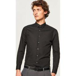 Koszula regular fit - Czarny. Czarne koszule męskie marki Cropp, l. Za 79,99 zł.