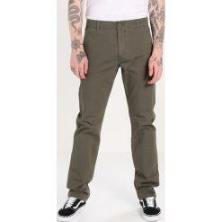 Rurki męskie: DOCKERS SMART 360 FLEX ALPHA SLIM TAPERED Spodnie materiałowe dockers olive