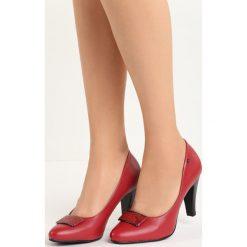 Czerwone Czółenka Easy Love. Czerwone buty ślubne damskie marki Born2be, ze skóry, na niskim obcasie, na słupku. Za 44,99 zł.