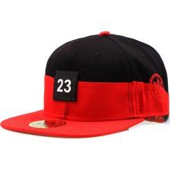 Czapka męska snapback czarno-czerwona (hx0221). Czarne czapki z daszkiem męskie marki Dstreet, z aplikacjami, eleganckie. Za 69,99 zł.
