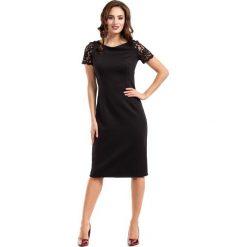 Czarna Sukienka Wieczorowa Ołówkowa Midi z Koronką. Czarne sukienki balowe marki Molly.pl, l, w koronkowe wzory, z koronki, z dekoltem na plecach, z krótkim rękawem, midi, ołówkowe. Za 148,90 zł.